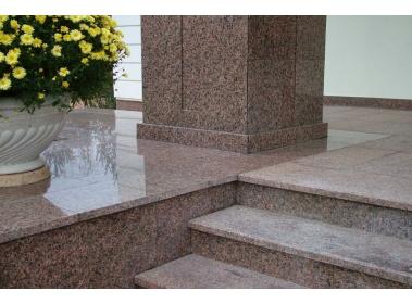 Изделия из камня - Лестницы и ступени из гранита