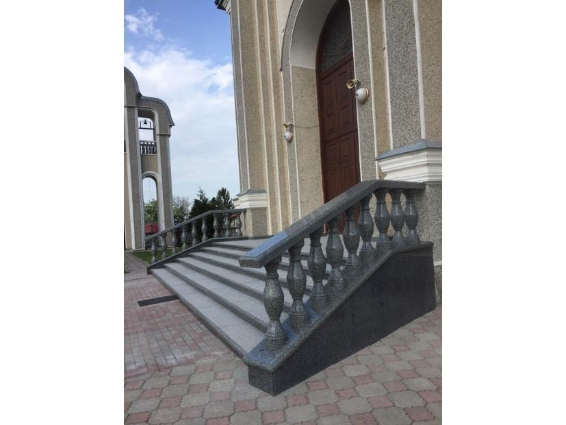 Лестницы и ступени из гранита - 11