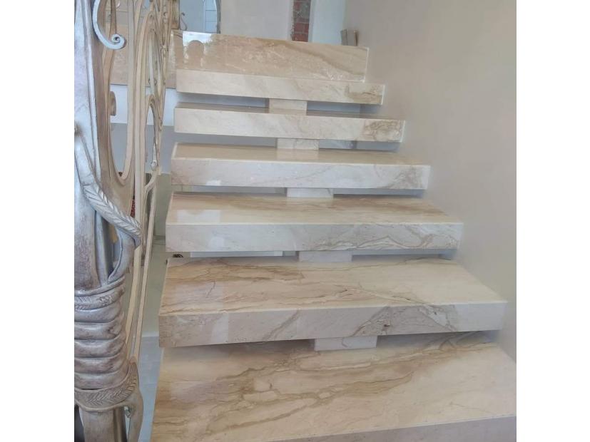 Лестницы и ступени из мрамора - 1